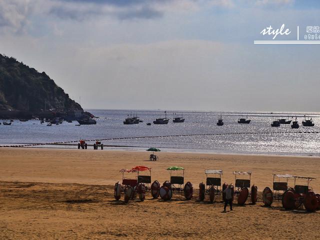 渔寮风景区名胜区位于苍南县东南部的渔寮乡境内,东临大海,南接霞关