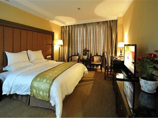 维纳斯国际酒店(上海野生动物园店)位于浦东新区惠南镇沪南公路9408号