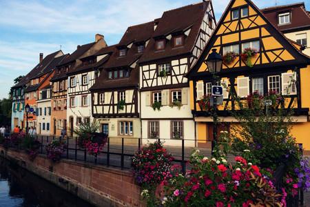 科尔马是法国东北部阿尔萨斯的一个小镇