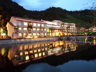 浪漫滑雪-江南天池-江南天池滑雪2小时自驾2日游>宿安吉美林度假村图片