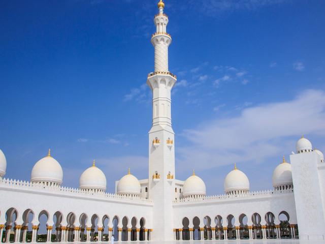 <迪拜+阿布扎比5天4晚休闲游>特别安排1天自由活动,全程四星级酒店,天天发团,两人即可成行,免费接送机