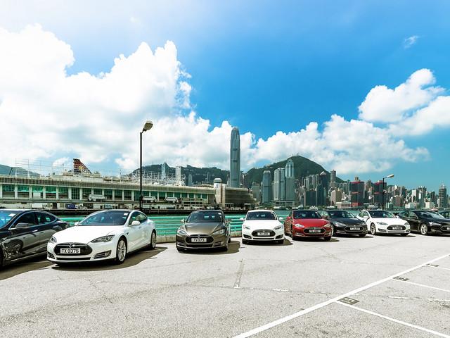 <香港机场---香港市区来回接送服务>炫酷特斯拉带你玩遍香港
