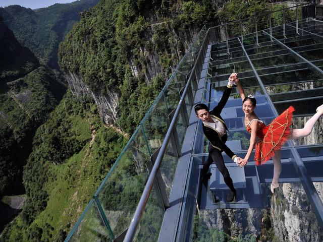 重庆 仙女山 天坑地缝双飞4日游 游武隆热门景点 观电影 黄金甲 变形金