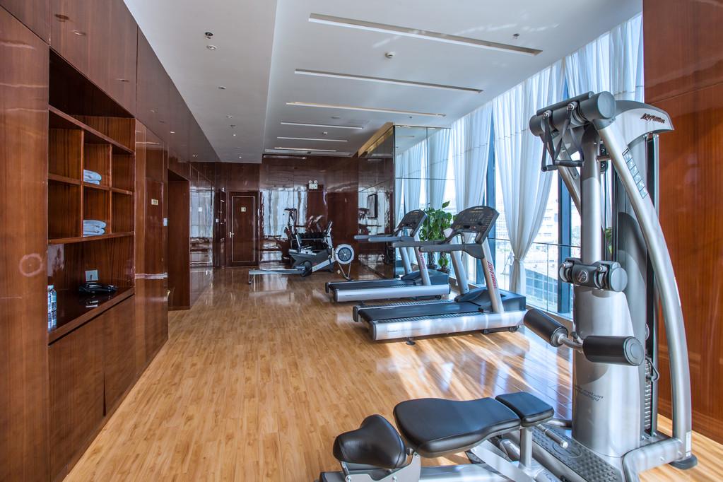 包房,会议室,健身房,书吧,空中花园等设施,是专为商旅人士精心设计的