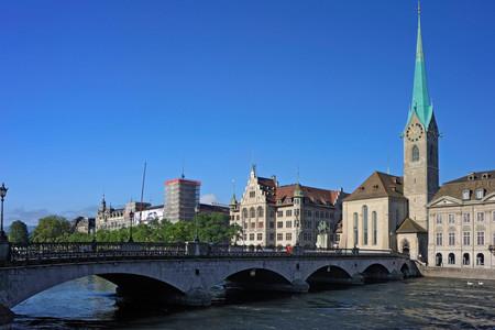 <瑞士深度3晚4日游>瑞士深度游览、登少女峰、赏瑞士老城风光、观莱茵瀑布之壮阔(法兰克福集散,当地游)