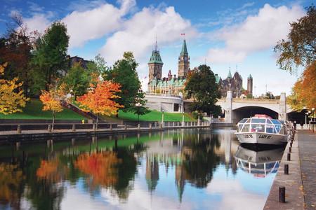 [国庆]<加拿大东海岸深度9-12日游>加航直飞、名校游览、大瀑布、入住一晚大瀑布酒店和一晚魁北克酒店、升级一晚希尔顿酒店、甜美枫糖餐