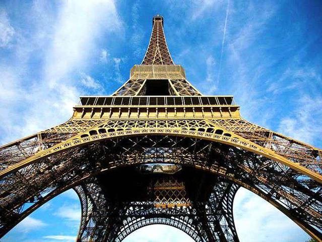 <巴黎 埃菲尔铁塔 免排队门票+ 市内观光巴士游览>(中文语音导览+铁塔二层门票)
