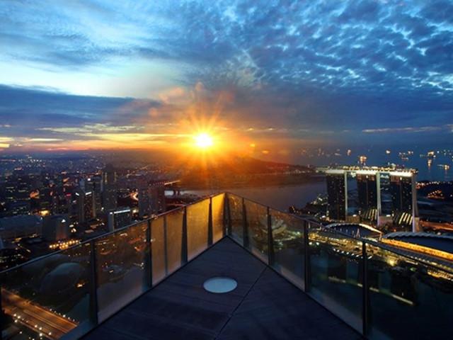 <新加坡1-Altitude 摩天酒吧高空观景台门票 +1天FunVee观光巴士通票 >