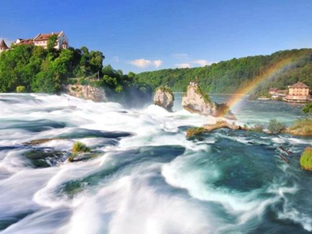 <瑞士欧洲第一大瀑布莱茵瀑布半日游>(苏黎世往返)