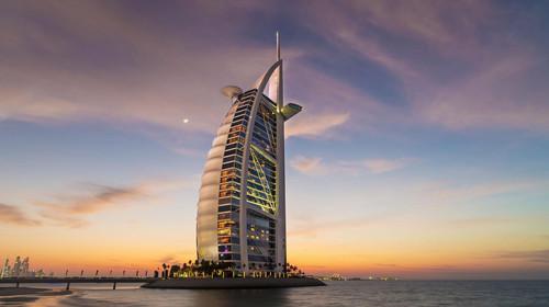 <迪拜-阿布扎比-沙迦6日游>全程入住5678星级酒店/享678酒店自助早餐/疯狂维迪水上乐园/艾布姆旅游村/阿拉伯特色餐