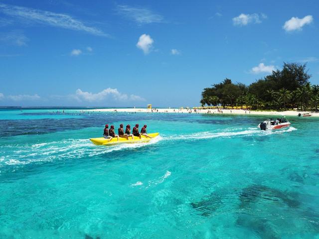讲到南湾,熟悉巴厘岛的游客都知道它位于努沙杜瓦区的一角,是努沙杜瓦