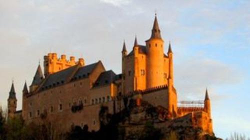两层城堡矢量图