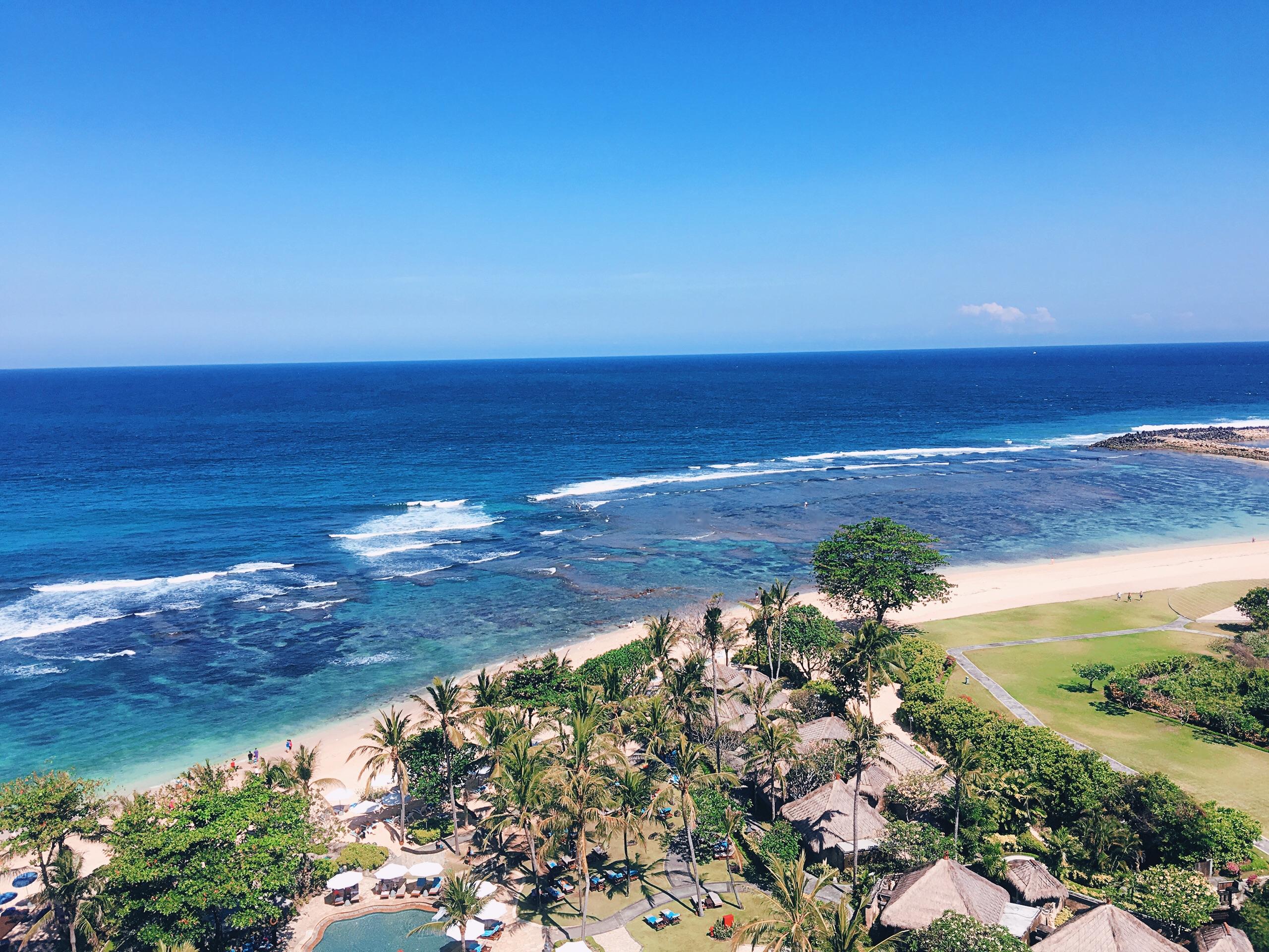 巴厘岛日航酒店4晚5日或6日自助游>坐落在俯瞰着印度