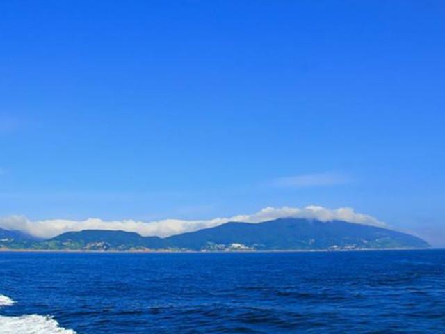 乘船海上观青岛:栈桥,海军博物馆,小青岛