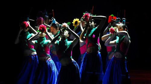晚餐后我们还为您安排了由国宝级舞蹈大师杨丽萍倾心编排的最新力作