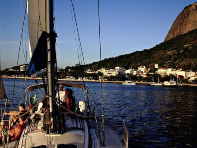 <前往卡戈拉斯群岛的半日航海之旅>