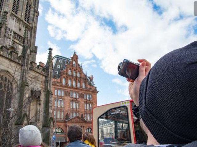 <爱丁堡随上随下巴士之旅:24 小时或 48 小时票>
