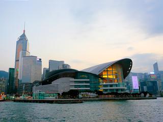 <香港2日游>指定入住香港九龙贝尔特酒店,海洋公园5小时,畅游迪士尼乐园,海龙明珠号夜游璀璨维港,乐园快线自由返深