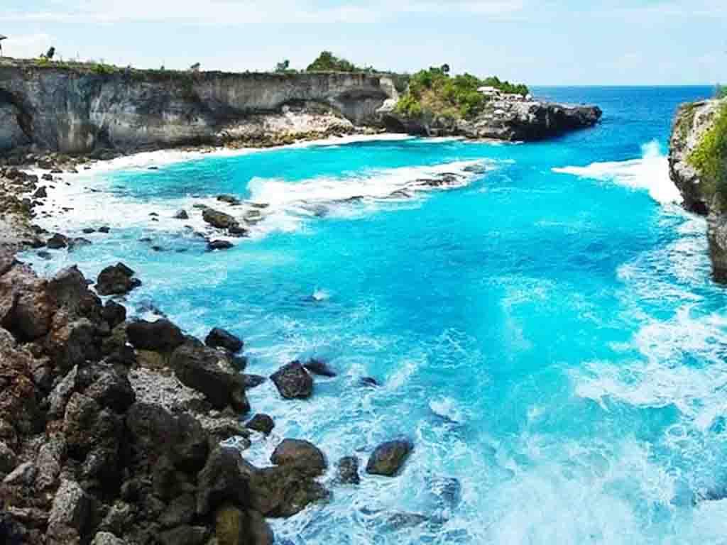 巴厘岛机票 当地4晚5日游>蓝梦岛和spa 巴厘岛正确打开方式 你知道吗