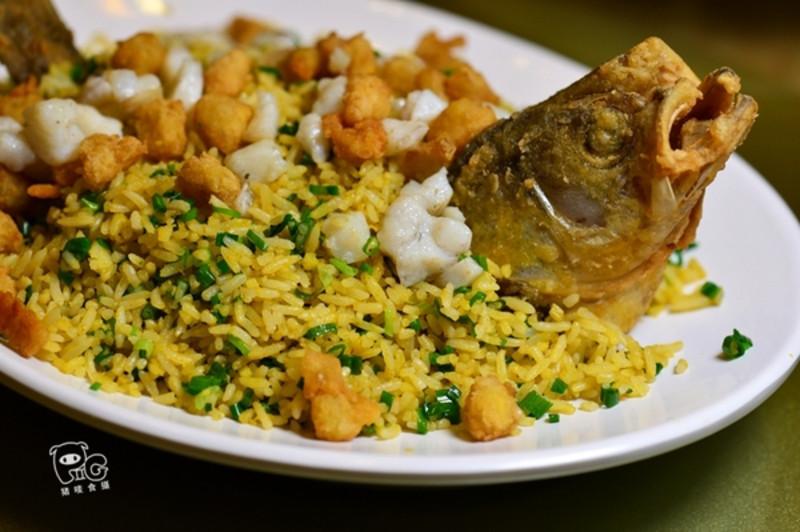 【鲈鱼炒饭】鱼肉两种做法来炒饭,入口口