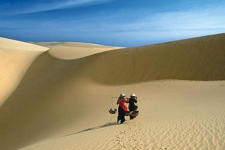 <胡志明+美奈+芽莊6天游>一半海水一半沙漠, 沙丘日落 ,西貢河夜游,紅白沙丘,滴滴壺咖啡