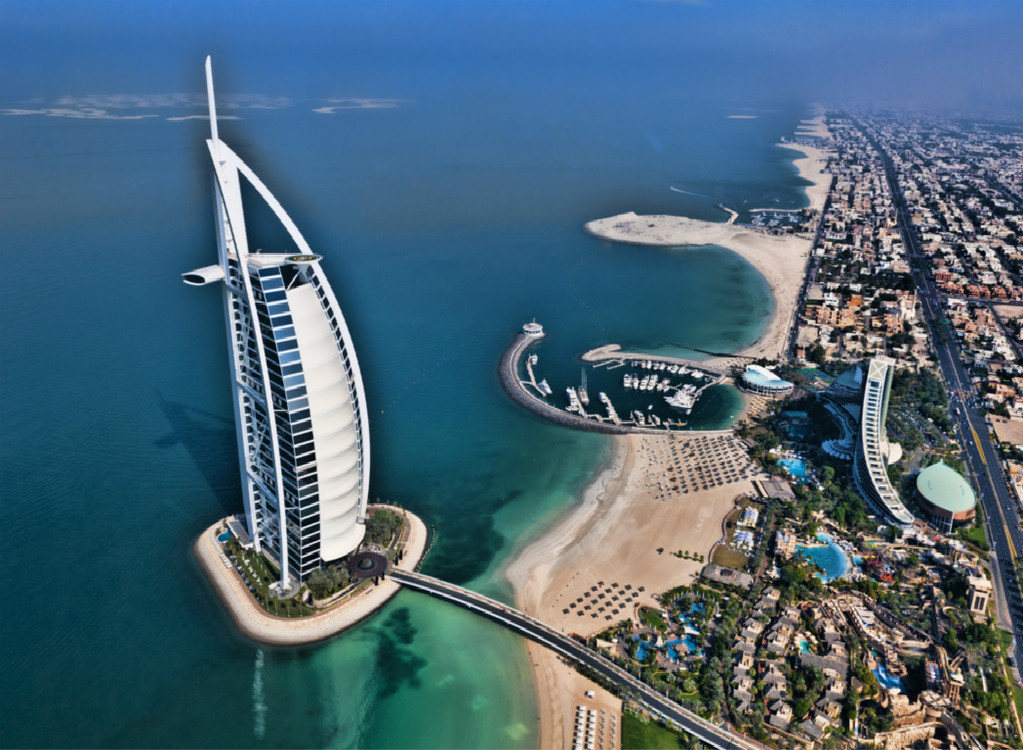 迪拜人均gdp_迪拜帆船酒店