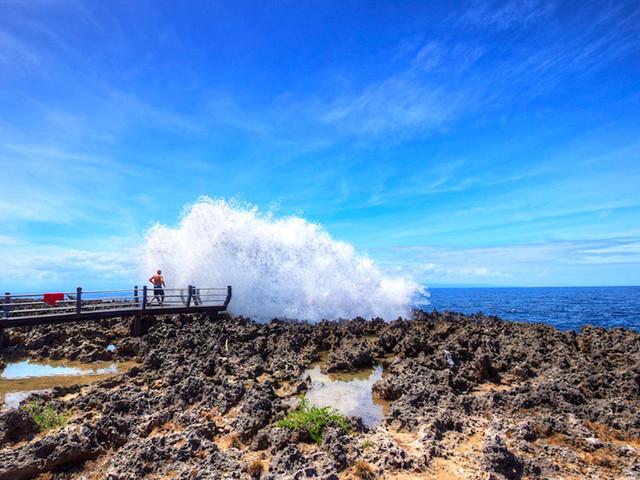 巴厘岛机票 当地6日游>游神庙 赏日落 观断崖 戏蓝海