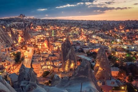 <土耳其12日游>TK直飛,含2N洞穴和熱氣球飛行之旅,愛情海 地中海邊/特色溫泉酒店,圖茲鹽湖,番紅花城,特洛伊古城,索菲亞大教堂