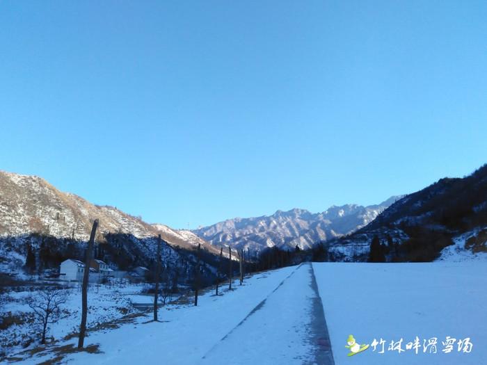 来晒几张去年冬天滑雪的风景照.