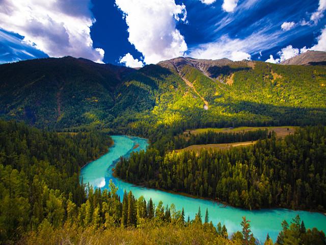 喀纳斯自然景观保护区——中国唯一具有瑞士风光的景区.