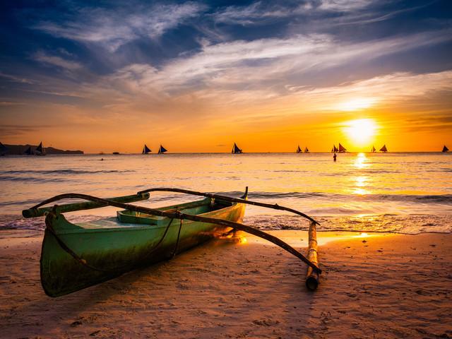 菲律宾长滩岛机票 当地7日或8日游>成都直飞 入住s2号码头 太阳酒店