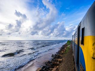 <印度-斯里兰卡8晚10日游>尾货精选,含签证/司导服务费,深起港止,漫游泰姬陵,粉红之城,漫步南湖海岸,千与千寻小火车