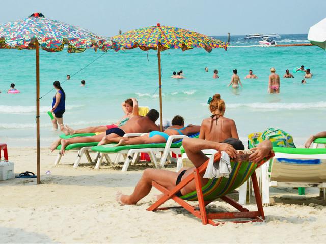 【优秀中文导游】芭提雅格兰岛玻璃木船+快艇+浮潜趣游海岛一日游