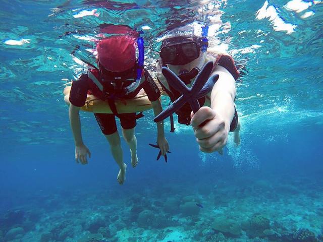 【新品推荐】<沙巴美人鱼岛 豪华私人海滩+kawa红树林萤火虫 一次性咬嘴+2次浮潜或深潜一日游>