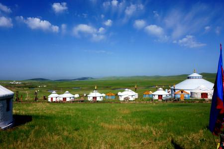 <希拉穆仁草原1日游>包含草原骑马3个点,体验马背上的名族生活