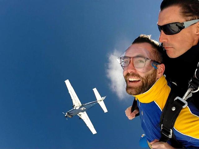 <布里斯班高空跳伞>(俯瞰摩顿海豚岛+海景+工作日含接送)