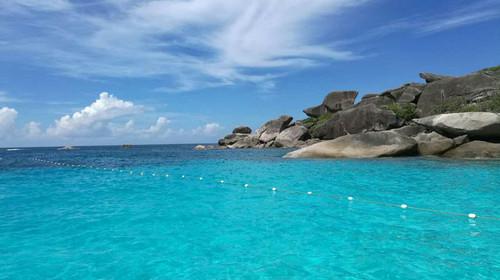 [春节] 普吉-斯米兰-芭娜娜海豚湾-5晚6日游>斯米兰群岛,双体风帆游艇