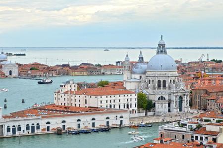 <瑞意摩法6晚7日循環游>佛羅倫薩集散、意大利、法國、瑞士、自全程四星酒店、意大利深度游覽、浪漫南法線、許愿泉、比薩斜塔(當地游)