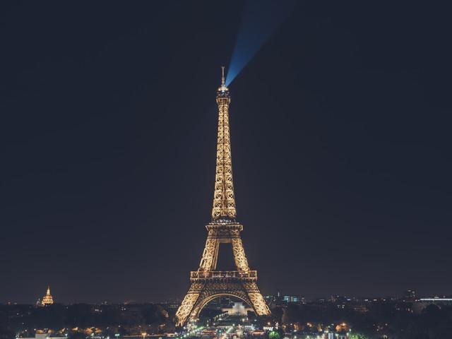 <荷比卢德法6晚7日风情游>巴黎集散、荷兰、比利时、德国、法国两晚巴黎、全程四星级酒店、巴黎深度游、荷兰大风车、千堡之国卢森堡(当地游)
