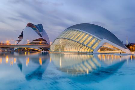 <西班牙-葡萄牙4晚5日循环游>马德里上里斯本下、自费项目自主选择、全程入住四星级酒店、圣家族教堂、阿尔罕布拉宫(当地游)