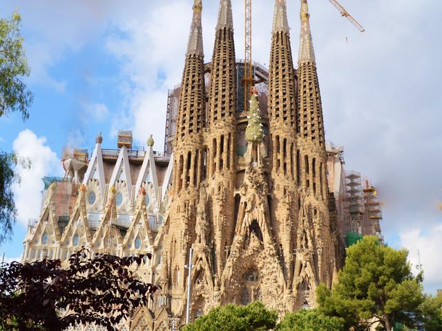 <西班牙-葡萄牙5晚6日循环游>巴塞罗那上马德里下、自费项目自主选择、全程入住四星级酒店、圣家族教堂、阿尔罕布拉宫、托莱多古城(当地游)