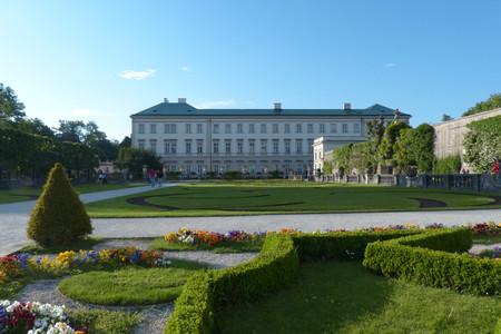 <瑞德捷奥匈6晚7日循环游>法兰克福集散、全程入住四星级酒店、布拉格、湖光山色瑞士、音乐之都维也纳(当地游)