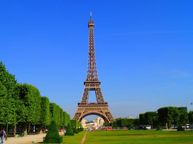 <荷比卢德法4晚5日游>自费项目自由选择、荷兰大风车、布鲁塞尔大广场、卢森堡大峡谷、巴黎深度游(法兰克福集散,当地游)