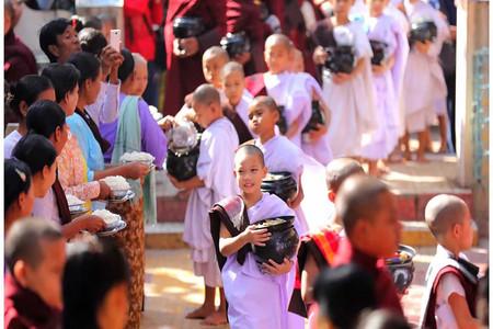 <缅甸曼德勒蒲甘仰光机票+当地6晚8日游>上海直飞仰光,缅甸全境游,乘小马车穿越蒲甘塔林,观千人僧院,体验缅式按摩