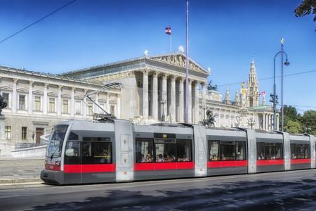 <德瑞奥捷匈4晚5日循环游>柏林上布达佩斯下、全程四星级酒店、醉美布拉格、音乐之都维也纳(当地游)