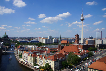 <德瑞奥捷匈6晚7日循环游>柏林集散、全程四星级酒店、布拉格、多瑙明珠布达佩斯、湖光山色瑞士(当地游)