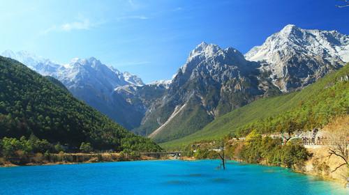 云南省玉龙雪山脚下蓝月谷风景区