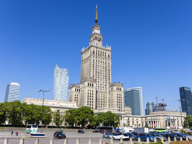波兰华沙_ 东欧-奥匈捷斯+波兰11-12日游>奥航直飞(a线1晚5星,wifi,美泉宫