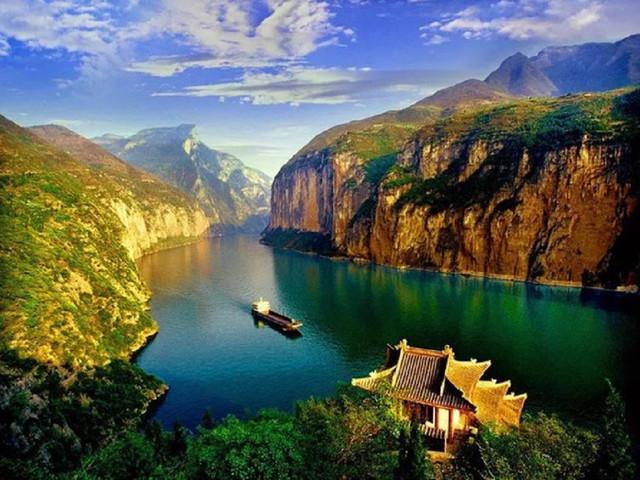 重慶-長江三峽-宜昌4日游>維多利亞系列游輪,石寶寨