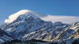 雪山上的旗云_2691